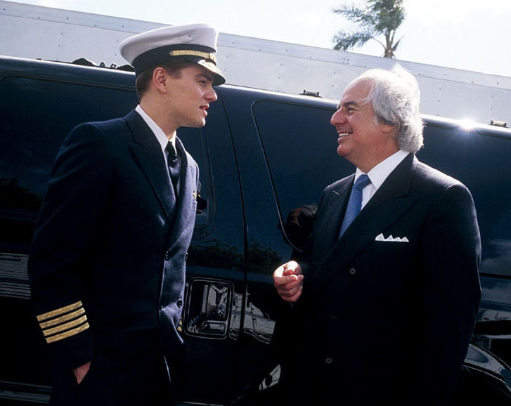 Leonardo DiCaprio and Frank Abagnale on the movie set