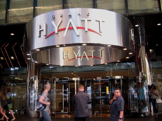 Entrance of the Grand Hyatt hotel (New York)