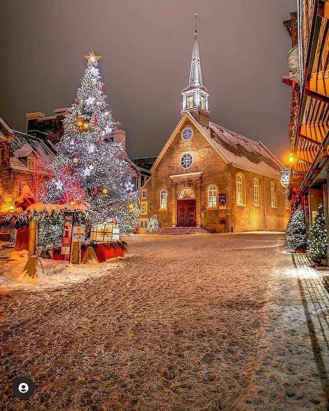 Instagram photo of the Church Notre-Dame-des-Victoires on the Place Royale, Quebec City (Quebec, Canada) (Christmas 2020)